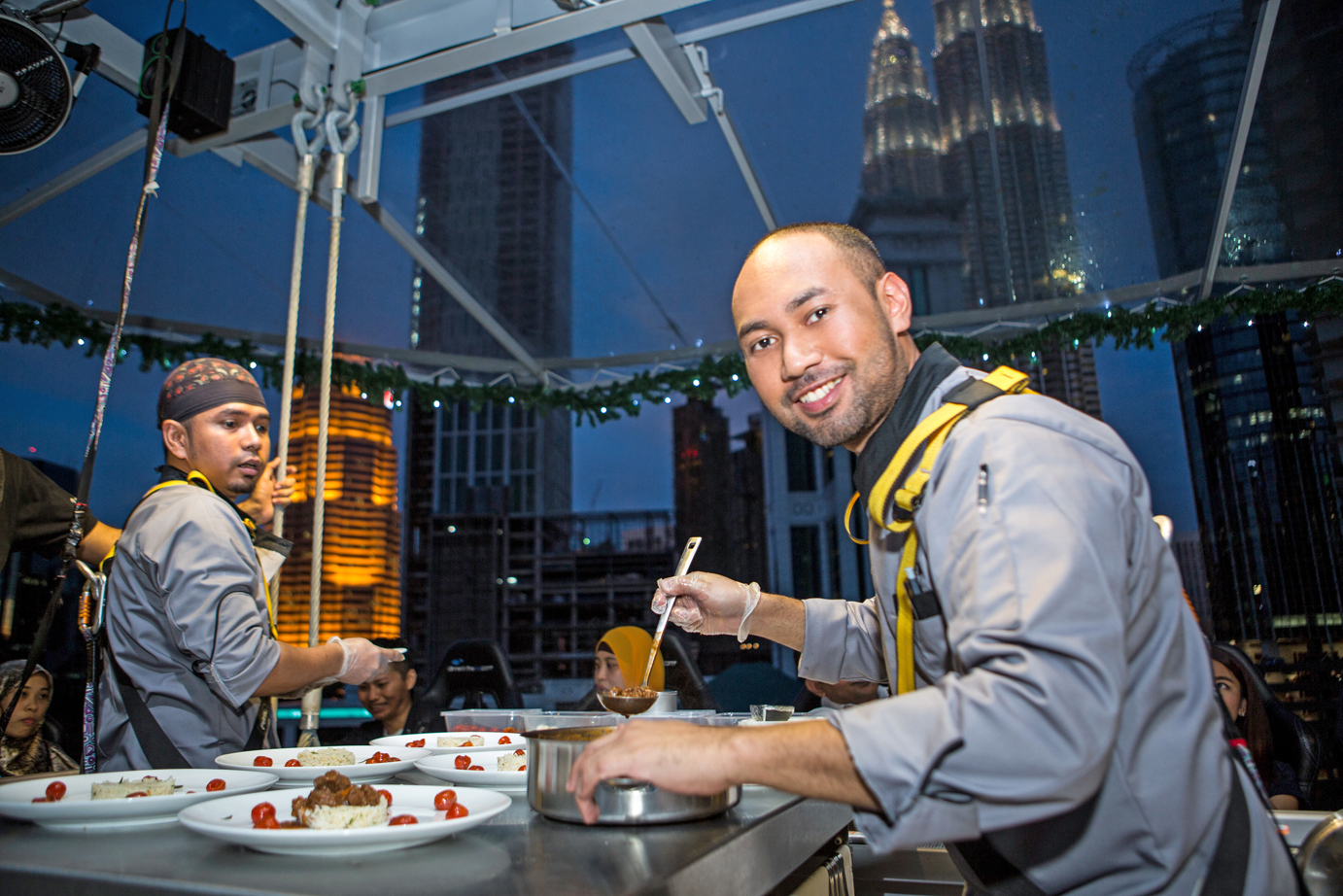 Dinner in the sky malaysia by teaffani catering 1